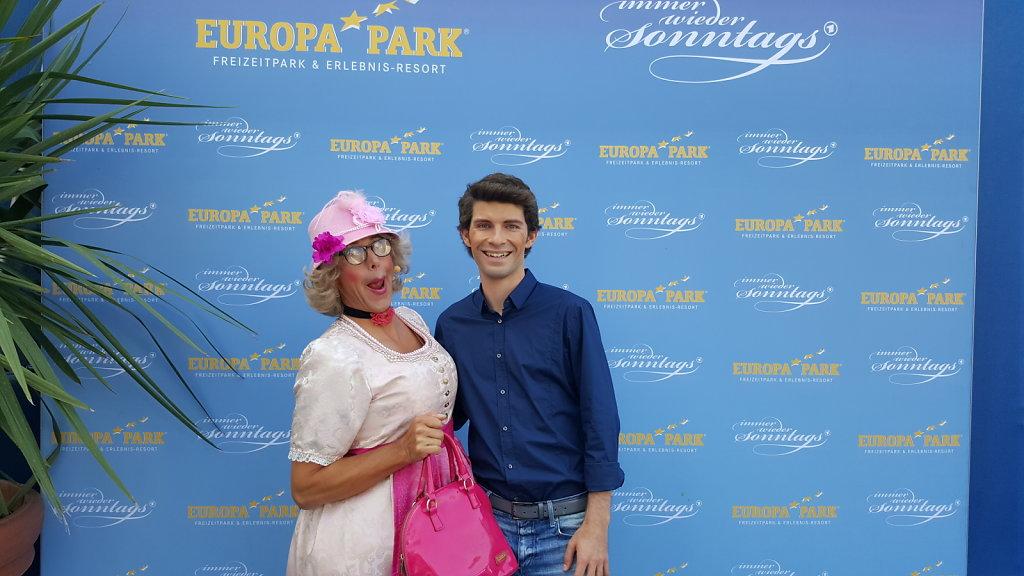 Michi Glück mit Frau Wäber